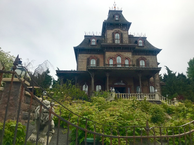 disney land paris haunted house