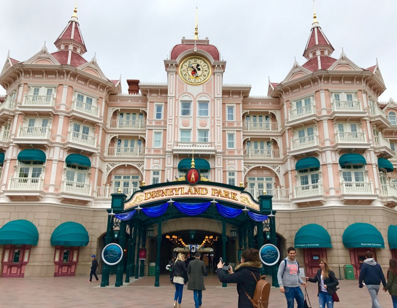 disney land paris entrance