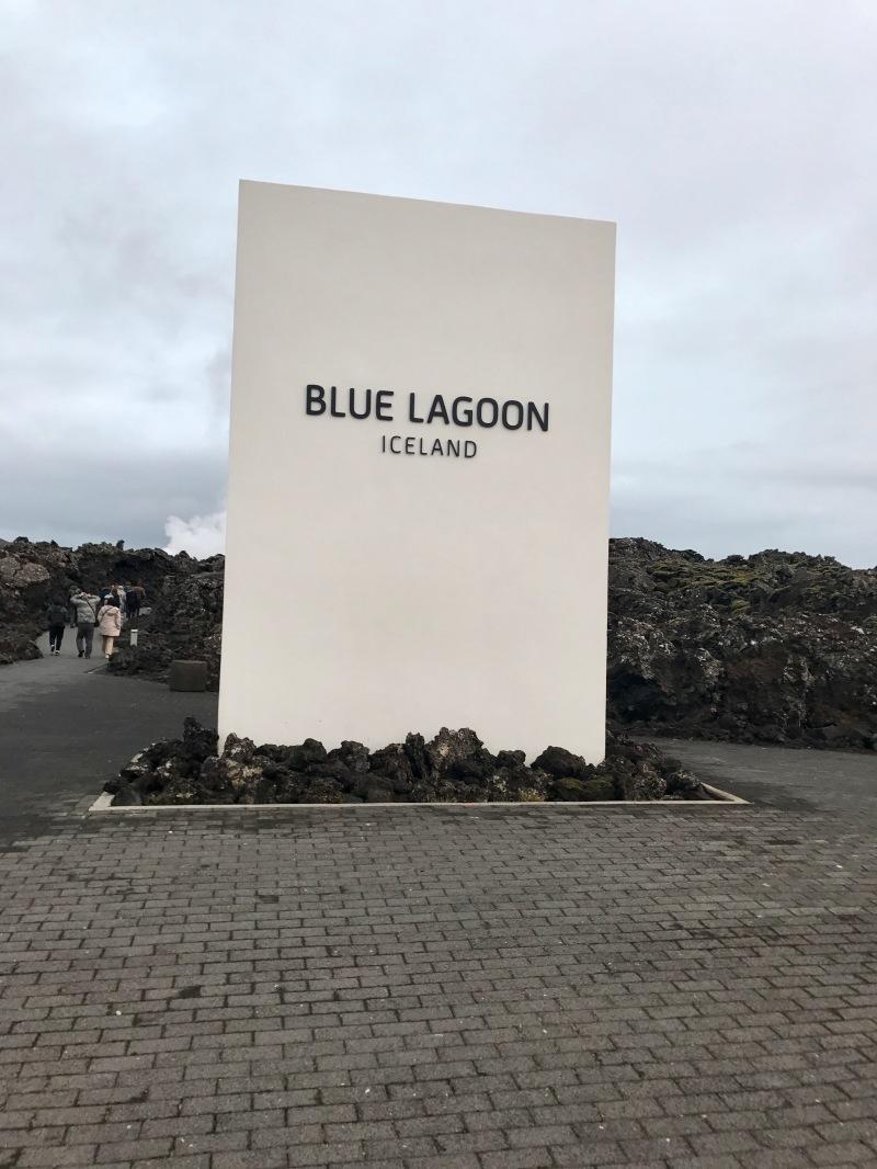 blue lagoon iceland welcom sign