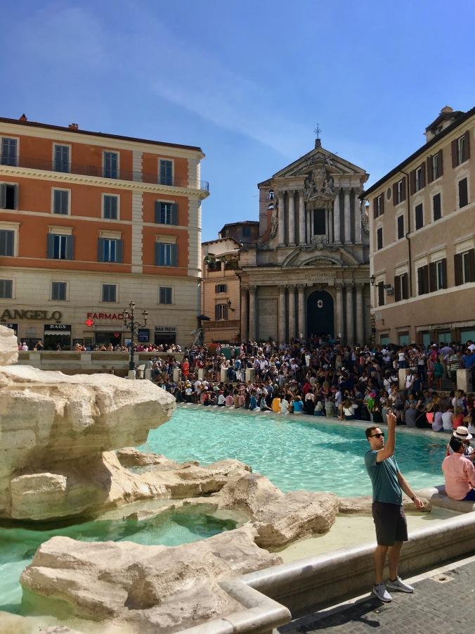 Trevi fountain crowds, rome