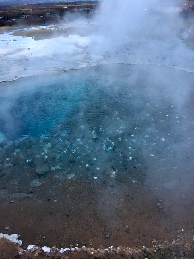 geysir iceland money pool