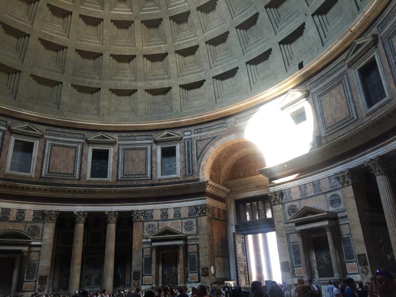 interior rome pantheon